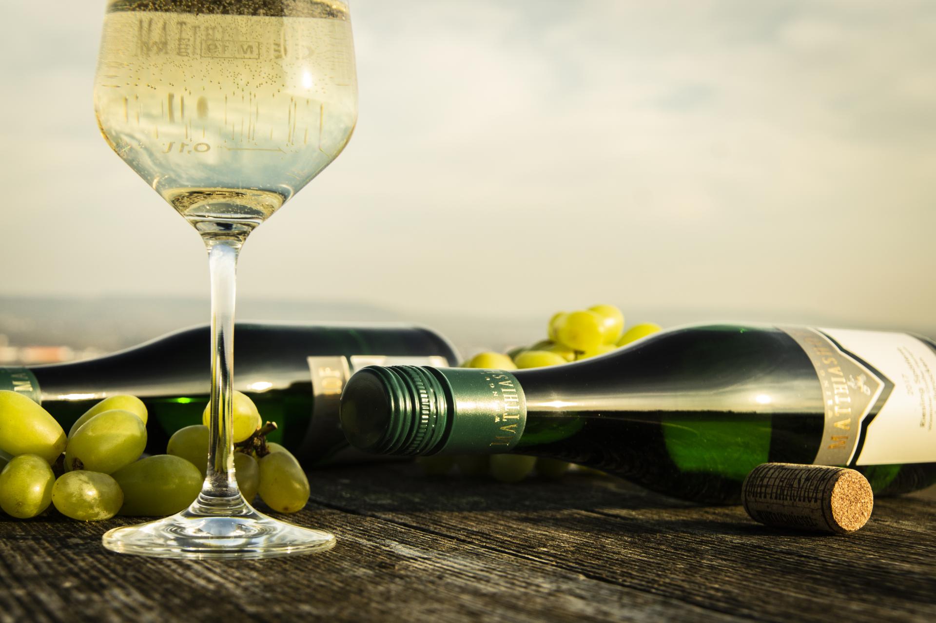 Flaschen mit Glas